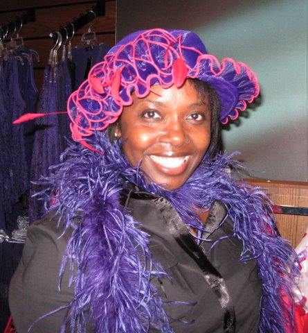 No, despite rave reviews i did NOT buy the hat and boa...